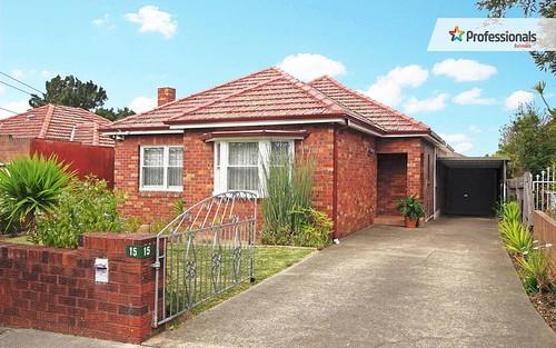 15 Paxton Av, Belmore NSW 2192