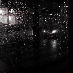 Pioggia tagliente su gelida atmosfera (VauGio) Tags: pioggia rain giovannilindoferretti neukolln fuji xf10 notte night