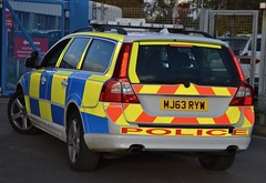 Thames Valley Police Volvo V70 Driver Training Unit (Oxon999) Tags: 999 999uk uk999 bluelights bmw bicester banbury police policeunmarked policeforce policebmw policecar policevauxhall policevan unmarkedpolice ukpolice unmarked trafficunit thamesvalleypolice tvp thamesvalley traffic thames oxford oxfordshire oxfordshirepolice oxfordshirefireandrescue drivertraining armedresponsevehicle armedresponse roadspolicing irv