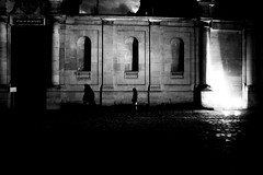 The shadows on the wall (pascalcolin1) Tags: paris femme woman nuit night lumières lights mur wall ombres shade photoderue streetview urbanarte noiretblanc blackandwhite photopascalcolin 50mm canon50mm canon