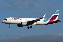 D-AIZV Eurowings Airbus A320-214 at Palma de Mallorca Airport on 28 September 2019 (Zone 49 Photography) Tags: aircraft airliner aeroplane september 2019 palma mallorca majorca spain airport aeroport aeroportdepalmamallorca son sant joan pmi lepa ew ewg eurowings airbusa320 airbus a320 320 200 214 wl daizv