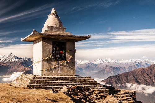 Stupa sur le chemin de LaurebinaYak