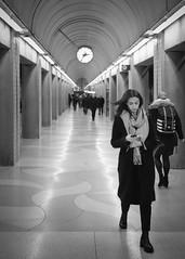Kvinna på Stockholms Södra (Michael Erhardsson) Tags: stockholm svartvitt 2019 black white