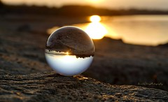 Sunset at the sea (Harald Steeg) Tags: stauseebautzen sonnenuntergang glaskugel granit sand wasser reflexion refraktion sonnenbokeh reservoirbautzen sunset glass ball granite water reflection refraction sunbokeh