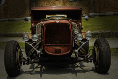 Ford (Klaus Ficker --Landscape and Nature Photographer--) Tags: oldcar oldtimer ford v8 hotrod beauty carshow kentuckyphotography klausficker canon eos5dmarkiv