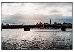 (schlomo jawotnik) Tags: 2019 oktober stockholm schweden boot bootstour touristenfotografie kirchturm brücke kran schiffe analog film kodak kodakproimage100 usw