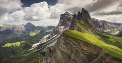 Seceda (Kevin.Grace) Tags: italy dolomites dolomiti seceda mountains sun clouds landscape