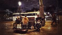 Barcelona. The Barcelona Hot Angels. (Lucio José Martínez González) Tags: luciojosémartínezgonzález barcelona cataluña catalonia españa spain ciudad city nightimage noche imagennocturna artistas performer perfomance actuación musicos musicians hdr ngc asbeautifulasyouwant