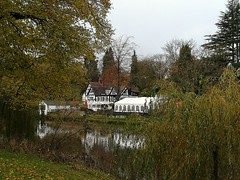 The boathouse pub. (daveandlyn1) Tags: building publichouse inn pub riversevern thequarry autumncolours smartphone psdigitalcamera cameraphone pralx1 p8lite2017 huaweip8