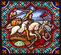 Cathédrale de Senlis (Phil du Valois) Tags: vitrail vitraux senlis cathédrale valois chevalier épée charge cavalerie assaut guerre combat saintlouis louisix