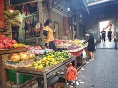 Guangzhou (-Faisal Aljunied - !!) Tags: faisalaljunied streetphotography china guangzhou fruit alley villagers chinese