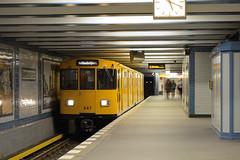 BVG A3L82 647 Bayerischer Platz (BahnFan99) Tags: bvg baureihe a3 wagen 647 kurzzug a3l82 ubahn berlin underground subway öpnv spnv public transport bayrischer platz tunnel u4 berliner verkehrsbetriebe ubahnhof station kleinprofil schöneberg d5200