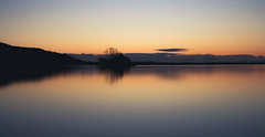 Peaceful (NanashiNoProfile) Tags: loch leven kinross perthshire rspb morning sunrise early november autumn cold frosty canon 700d scotland scottish longexposure