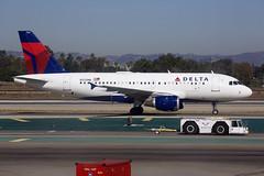 Delta Air Lines | Airbus | A319-114 | N325NB (TFG Lau) Tags: klax lax losangeles airplane aeroplane aircraft plane aviation planespotting spotting canon canoneos canon5dmarkiii eos eos5dmarkiii ahkgapworldwide