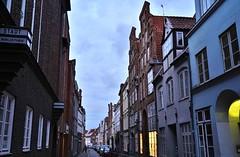 Lübeck: Hundestraße (zug55) Tags: lübeck hanse hansestadt deutschland germany schleswigholstein hanseaticleague hansestadtlübeck unescoworldheritagesite worldheritagesite unesco welterbe weltkulturerbe welterbestätte hundestrase