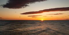 Amanecer (Markspitz15) Tags: canon 70d 1855mm amanecer dia sol costa mar malaga arroyo de la miel nubes cielo azul naranja amarillo espigon puerto marina horizonte