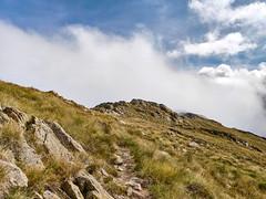 Passage à la frontière du temps (cloud series) (valentinlelong) Tags: pyrénées mountain forg sky montagne nuage trek trekking