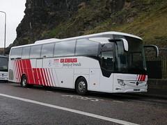 Landtourer Coaches of Fareham Mercedes Benz Tourismo M2 BU18YRG, in Globus Tours livery, at Johnston Terrace, Edinburgh, on 7 November 2019. (Robin Dickson 1) Tags: busesedinburgh bu18yrg landtoureroffareham mercedesbenztourismom2 globustours