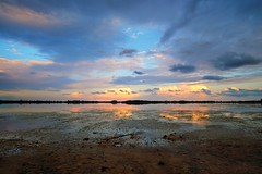 Salt Lake Sunset Impression (JarHTC) Tags: fujifilm xt20 samyang 12mm landscape lake sunset clouds water reflection