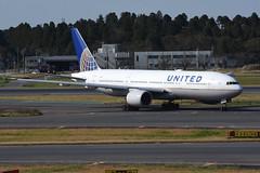 United Airlines N771UA (Howard_Pulling) Tags: united airlines 777 boeing 777200 narita japan japanese