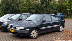 Citroën Xantia SX 1.8i automatic 1995 (Wouter Bregman) Tags: lthl19 citroën xantia sx 18i automatic 1995 citroënxantia green vert brinkstraat haarzuilens utrecht nederland holland netherlands paysbas youngtimer old french car auto automobile voiture ancienne française france frankrijk vehicle outdoor