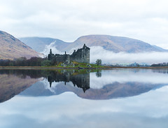 In The Mist _MG_0631 (ronniefleming@btinternet.com) Tags: kilchurncastle lochawe bonniescotland visitscotland scottishlandscapes argylebute ronnieflemingfleming ph31fy walkhighlands mist loch water reflection castle ruins medieval sky