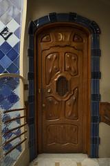 Casa Batlló Door - Eixample, Barcelona, Catalonia, Spain (samueljsweet) Tags: photography spain europe catalonia barcelona architecture casa gaudí antoni modernisme batlló eixample