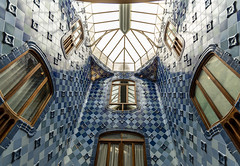 Casa Batlló Ceiling - Eixample, Barcelona, Catalonia, Spain (samueljsweet) Tags: photography spain europe catalonia barcelona architecture casa gaudí antoni modernisme batlló eixample