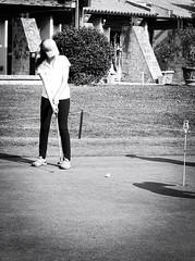 6922 - Putt (Diego Rosato) Tags: putt loredana golf club green verde bianconero blackwhite fuji x30 rawtherapee