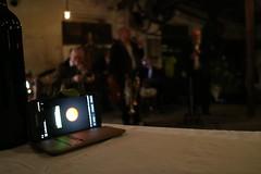 Aufnahme... (shortscale) Tags: dasröhm schorndorf brunoensslen guggmol jazz samsung smartphone jazzband oldjazzband vernissage ausstellung ölmalerei ölgemälde veronikamissel skulptur