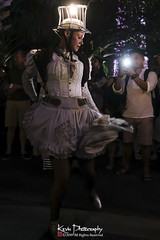 FXT28675 (kevinegng) Tags: voilah2019 gueuledours thebearsmouth singapore frenchsingaporefestival streetperformance performance danceperformance dance puppetbears puppets gardensbythebay frenchperformance nightphotography