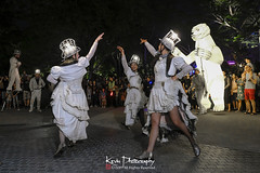 FXT28304 (kevinegng) Tags: voilah2019 gueuledours thebearsmouth singapore frenchsingaporefestival streetperformance performance danceperformance dance puppetbears puppets gardensbythebay frenchperformance nightphotography