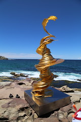 IMG_0076 (gervo1865_2 - LJ Gervasoni) Tags: sculpture by sea bondi tamarama 2019 photographerljgervasoni art festival event coast coastal walk cliffs water sand sky sunny day spring