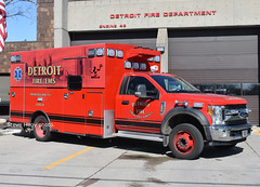Detroit MI   Medic 11 (kyfireenginephoto) Tags: ecorse engine 48 truck ford dearborn melvindale ambulance medic motor city firemen 2017 f550 michigan braun river rouge rescue zug island fire