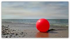 red ball (Körnchen59) Tags: red ball rot strand beach helgoland körnchen59 elke körner pentax ks2