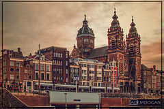 AMSTERDAM (01dgn) Tags: amsterdam holland hollanda nederland netherlands niederlande noordholland stnicolaaskerk travel streetphotography sunset cityscape city europa europe avrupa canoneos700d