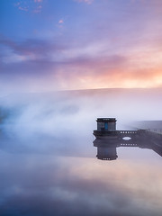 Tranquillity (Stephen Elliott Photography) Tags: peakdistrict bamford derbyshire hopevalley dawn mist sunrise reflections ladybower olympus em1 714mm kase filters