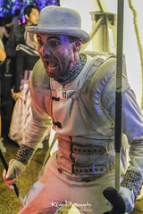 FXT28745 (kevinegng) Tags: voilah2019 gueuledours thebearsmouth singapore frenchsingaporefestival streetperformance performance danceperformance dance puppetbears puppets gardensbythebay frenchperformance nightphotography