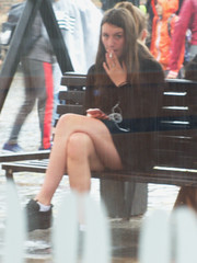 20190523-103 the women and girls from England (simonbradua) Tags: woman women girl girls streetfashion streetlife streetphotography legs barelegs smoking smokinggirls