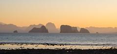 Schichtprinzip (Leicaluke) Tags: meer thailand sea stone coast küste sunrise morgen natur inseln lland leica m10 beach sky