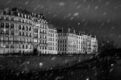 Snow on Paris (Gilles B. Photographe) Tags: december snowfall storm magic frost icy magical background winterlandscape snow seine iledefrance seasonal effect paris scenic outdoors wintersnowscene ice landscape winter season wintry wintertime wintersnow sunrise outdoor white weather travel freeze tourism texture blue winteroutdoors light beautiful river sky hiver france blizzard snowy fresh europe cold falling