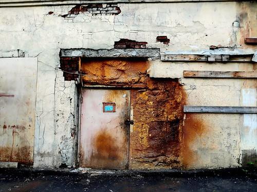 door. decay ©  Sergei F