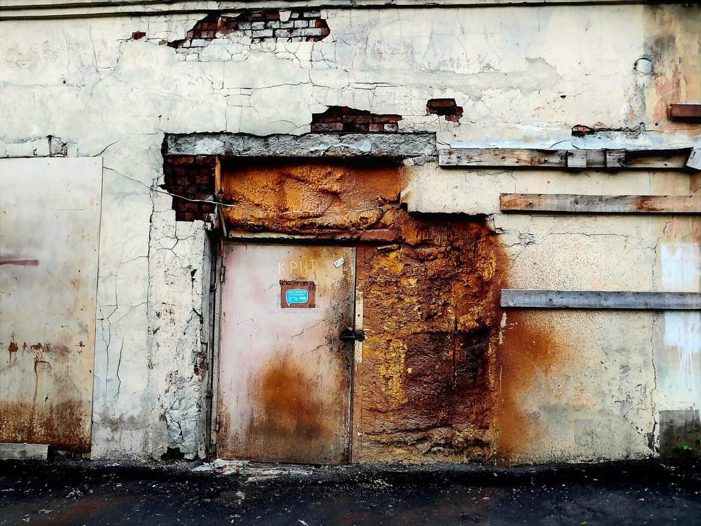 фото: door. decay