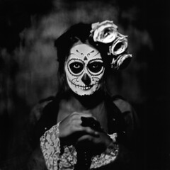 Manon Calaveras Collodion Portrait ([Eric OLIVIER]) Tags: collodion collodionhumide ambrotype portrait noiretblanc blackandwhite largeforma girl ristratto portraiture 8x10 calaveras portraitféminin fineart dead makeup makup maquillage halloween girlportrait womanportrait