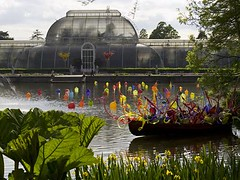 093 Thames Skiff, Walla Wallas and Palm House Towers (Trinity Trees) Tags: dale chihuly glass