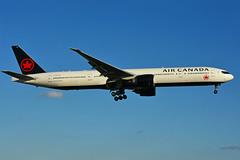 C-FIUR (Air Canada) (Steelhead 2010) Tags: aircanada boeing b777 b777300er yyz creg cfiur
