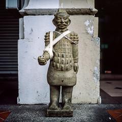 Kampong Glam (alkanphel) Tags: hasselblad 501cm zeiss planart2880cfe film analog mediumformat 120 6x6 urban fujifilm fujichrome provia100f rdpiii