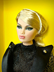 Here she is! 😍 (Deejay Bafaroy) Tags: karolin karolinstone nyfw luncheon fr fashion royalty integrity toys doll puppe convention 2019 portrait porträt blonde blond yellow gelb black schwarz nrfb