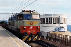 FS E656 230 (Maurizio Boi) Tags: treno train zug rail railway railroad ferrovia eisenbahn locomotiva locomotive cargo italy fs e656 caimano