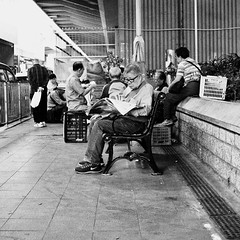(a.pierre4840) Tags: olympus omd em10 mzuiko 25mm f18 bw blackandwhite noiretblanc streetphotography squareformat 11 kowloon hongkong candid artfilter grainy